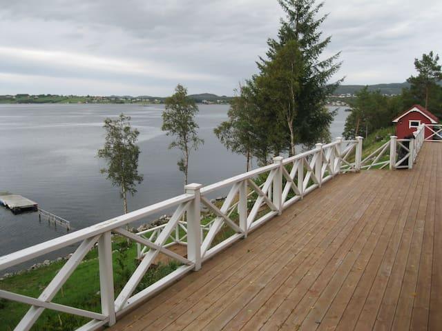 Furukollen - Fræna kommune - Houten huisje