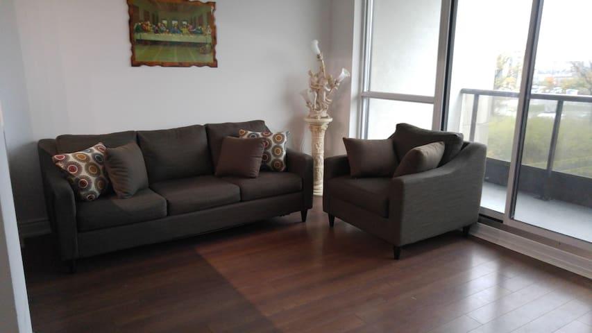 Luxurious 2 Bedroom Condo near Entertainment Area - Markham - Wohnung