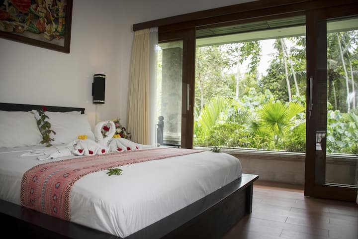 Best Room west Bali 100 steps to the Beach