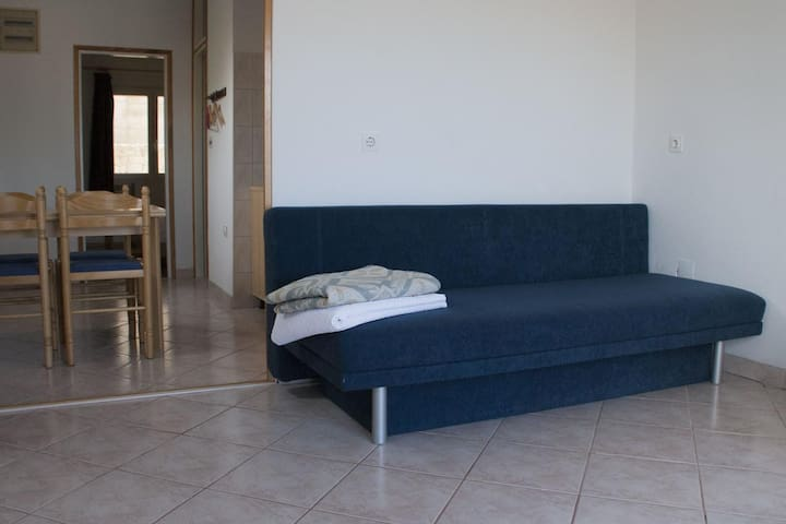 One bedroom apartment with balcony and sea view Lumbarda (Korčula) (A-17611-d)