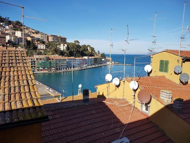 Appartamento centro storico vista mare free wifi