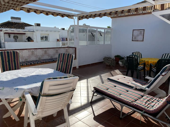 Duplex apartment 30m from beach