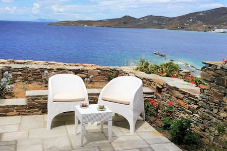 House by the sea in Tinos - C // Stavros Bay - Tinos - 独立屋
