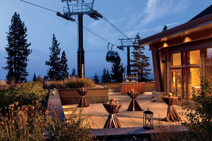 Ski-In/Ski-Out Ritz-Carlton Club 2BR + Amenities