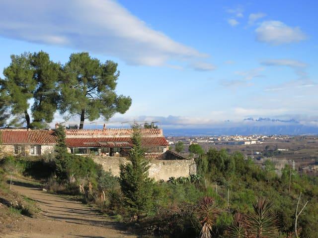 Antigua Casa de Pastor en Medio Natural - L'Alt Penedès - Hus