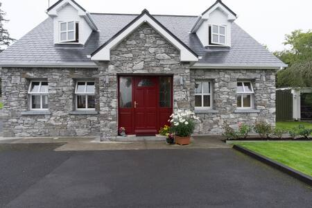 Large double room-Ensuite Sleeps 3 - Moycullen - Casa