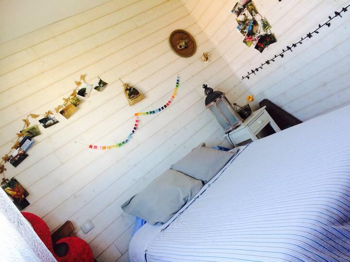 chambre dans petite maison cosy