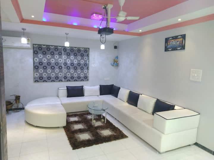 Cohomestay Deluxe Villa Surat (1. AC Room)