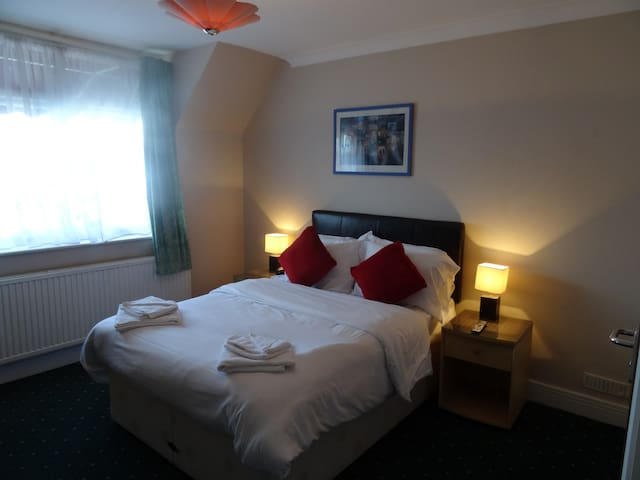 Aj Lodge, Double with ensuite