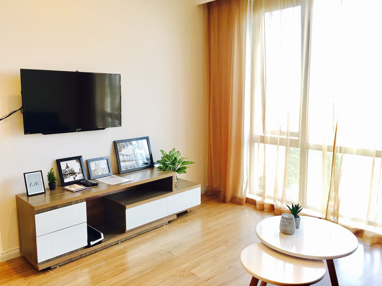 Stunning apartment with a great view at Mipec Riverside Building.