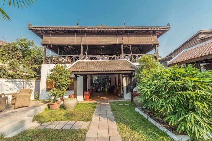 Family Suite with 12 guests - Krong Siem Reap - Bungalow