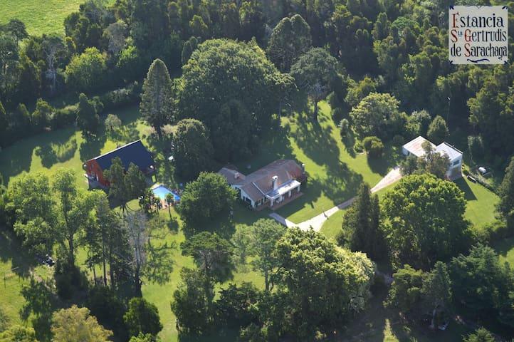 Estancia Santa Gertrudis - Casa de Huespedes