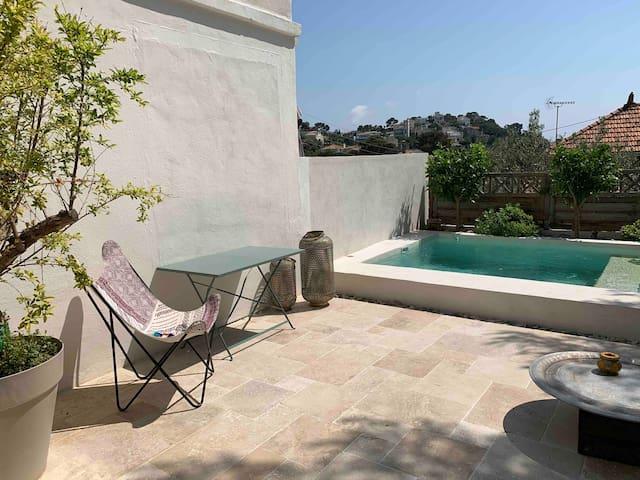 Appartement avec piscine 13007