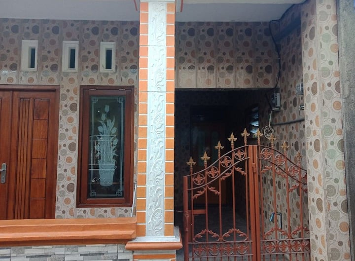 Rumah mingguan bulanan Surabaya tengah kota