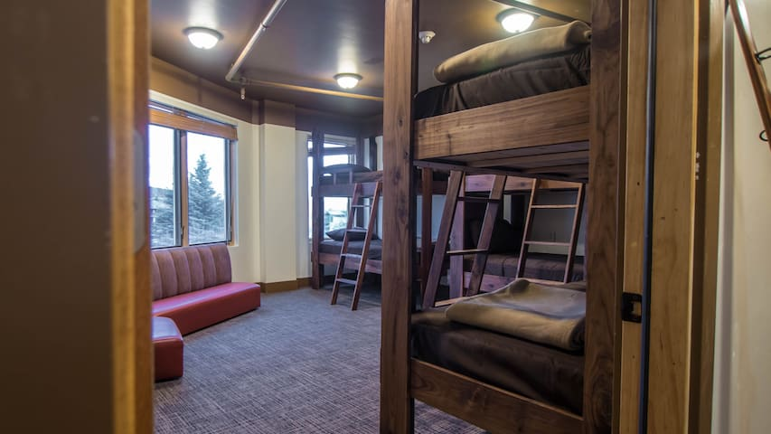 Park City Hostel: Bed In 6 Bed Dorm