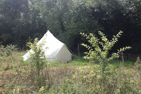 Bridge House Bell Tent, with real double bed. - Tent