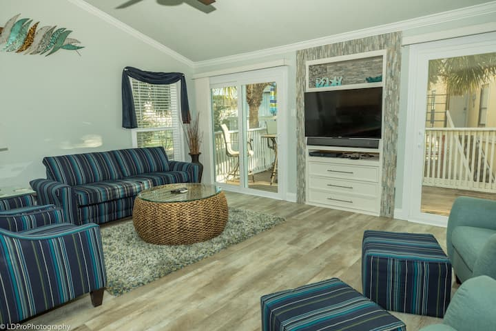 SPC 20 is a 3 BR Gorgeous Villa located centrally inside Sandpiper Cove