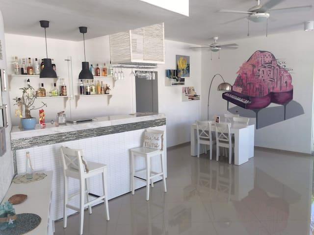 Comfortable room near the beach - Los Corales