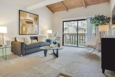 Comfort Abounds at 2BR/1BA in Laguna Hills