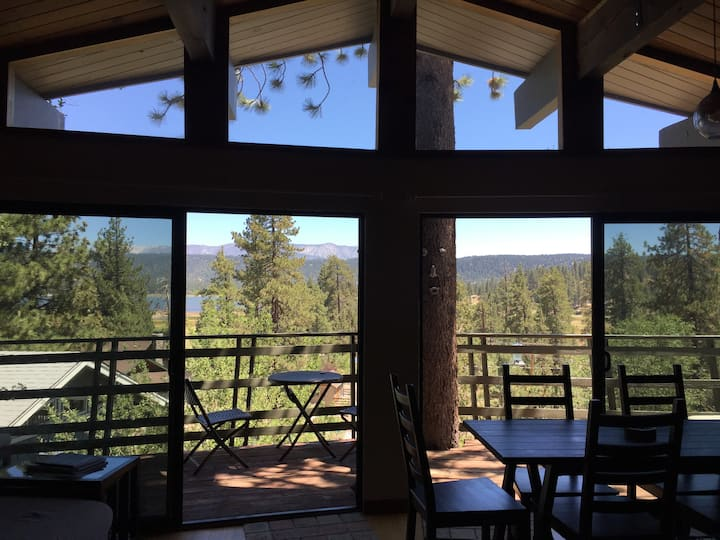 Stunning Big Bear Lake Views w/3Decks+Patio+Spa