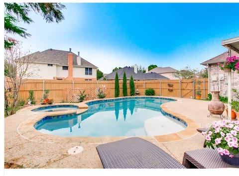 Near Dallas ***Heated POOL / SPA 4BR Grill