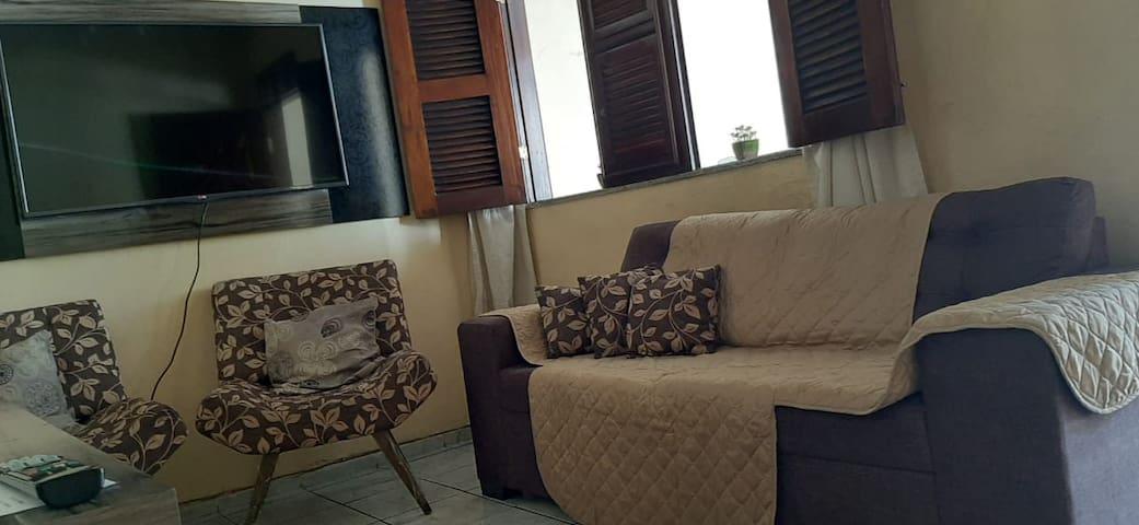 Apartamento de 02 quartos em bairro tranquilo