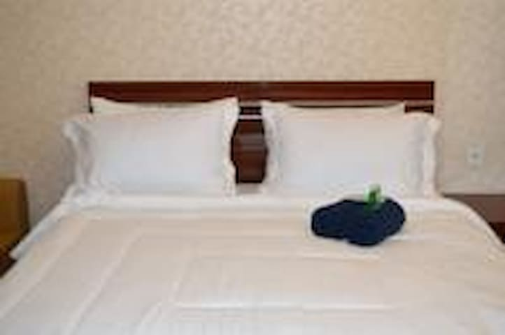 Jade feng hotel