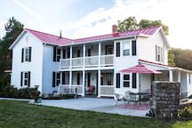 The Buckhorn - Beautiful, Relaxing and Convenient