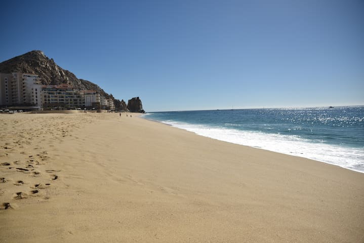 Cabo San Lucas Oceanfront Beach Resort Condo