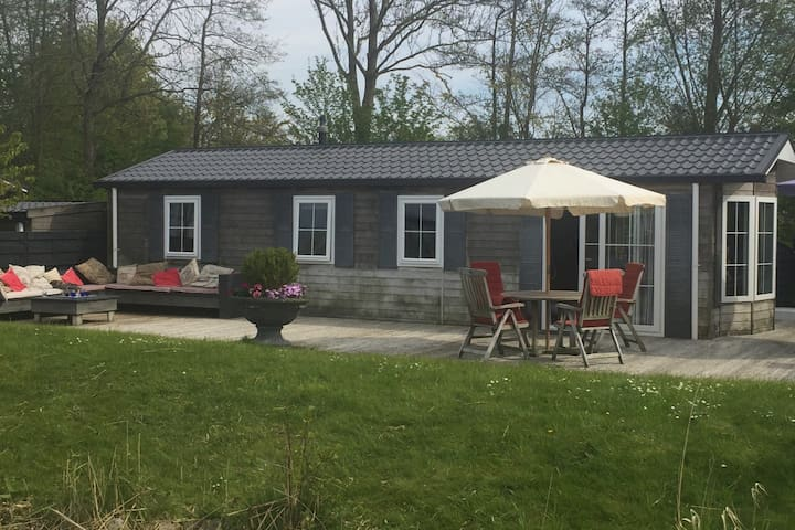 Cottage direct on waterfront in Grou (Fryslan)