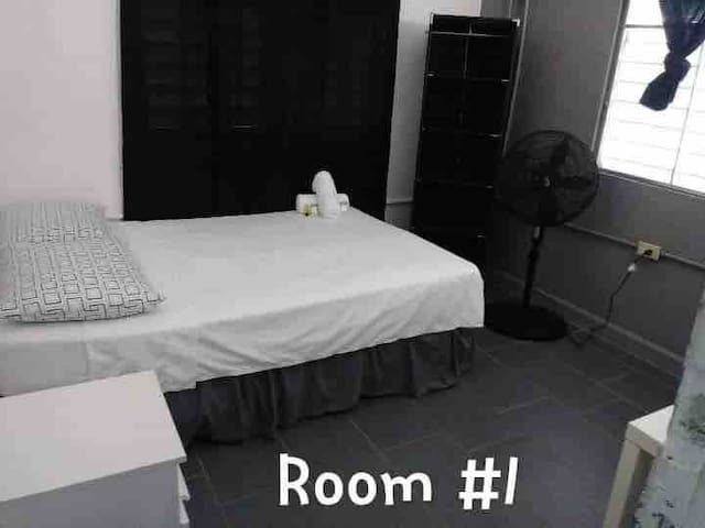 R1 - Private Bedroom sleeps 2 Good Vibe Guesthouse