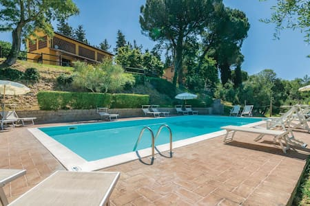 Holiday apartment with 2 bedrooms on 70m² in Castelfiorentino FI