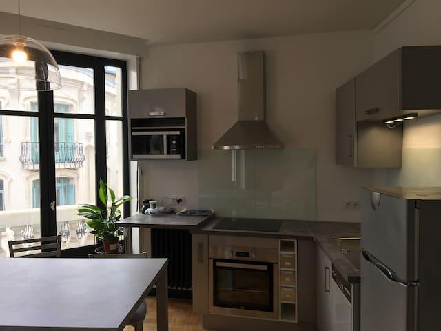 Appartement entièrement rénové  70 m2  hype centre - Saint-Étienne - Pis