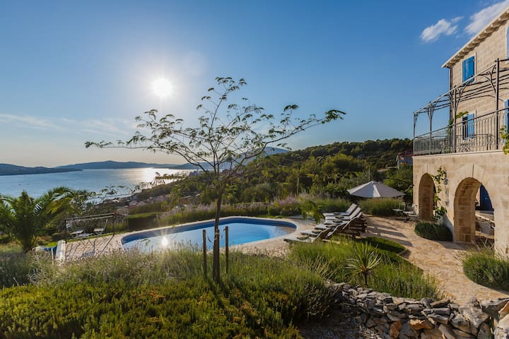 Villa Amarina, sea, luxury, pool, wellness service - Traù - Villa