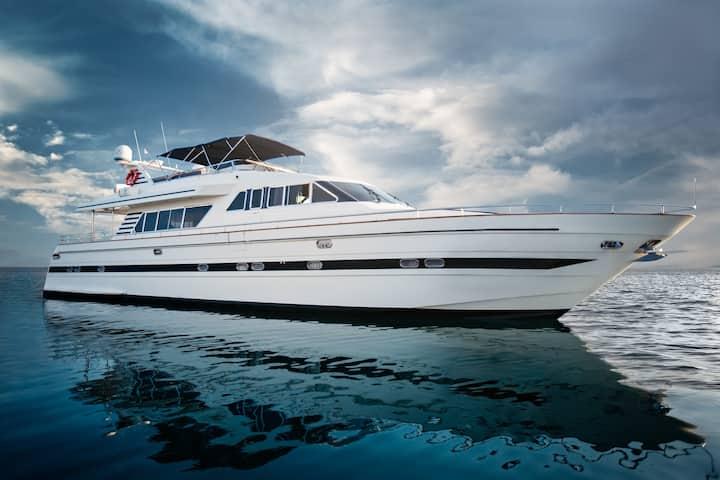 Saronikos Dream Yacht