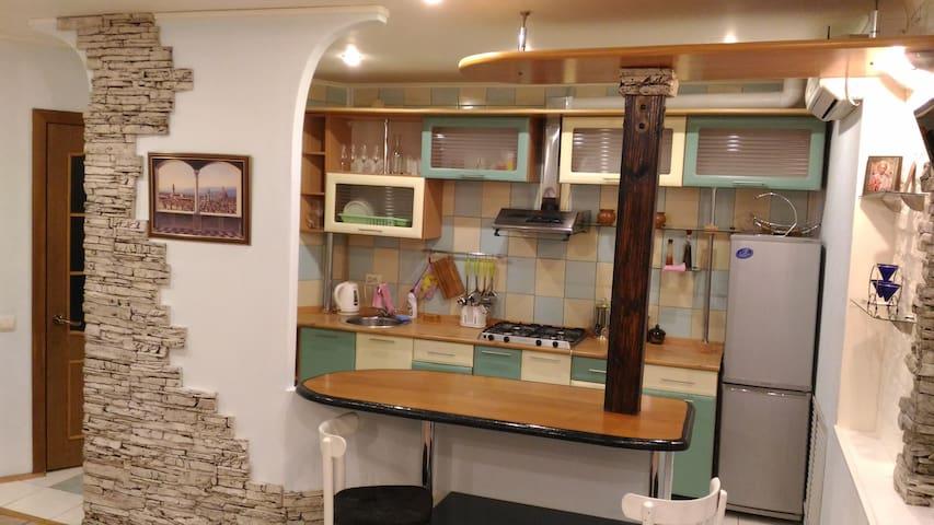 Чистая,уютная квартира-студия в центре города - Kostroma - Leilighet