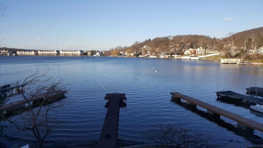 Lake Front on Hopatcong with Dock - Roxbury Township - Pis