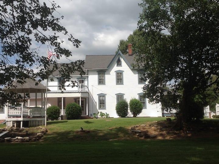 Entire Home - Between Washington, DC & Amish Farms