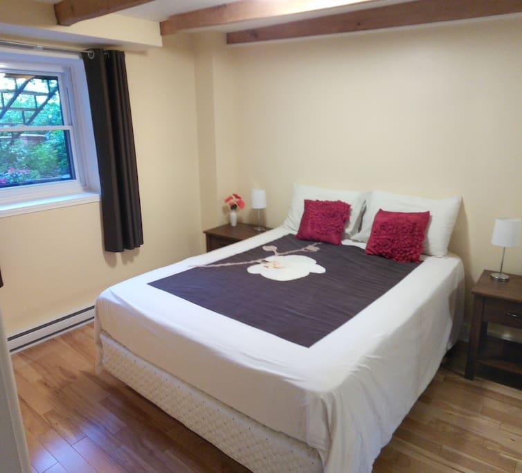 The bedroom is garden orientated so very quiet, no street noises.