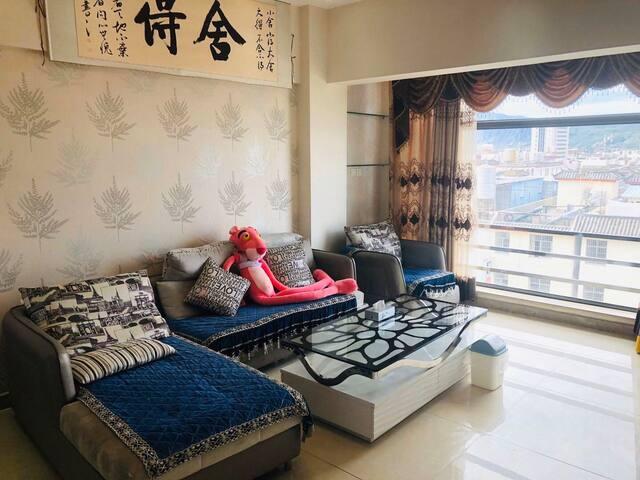 丽江古城口·电梯公寓·可停车·可做饭,连住三晚,免费接送机.站