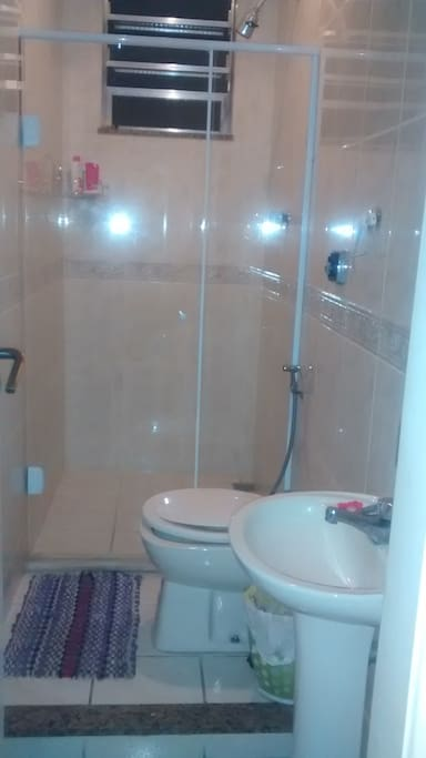 banheiro  chuveiro  quente compartilhado