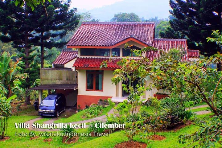 Villa Putih Sangrila Cisarua 3 bed 1 bath
