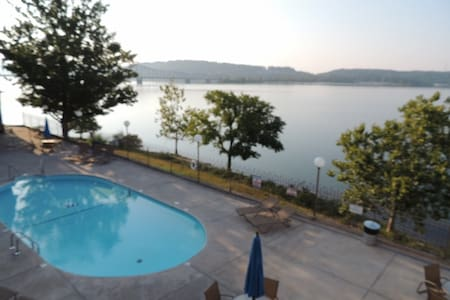 Rosie's Place # 454 Pet Friendly Lake Front Condo - Kimberling City - Συγκρότημα κατοικιών