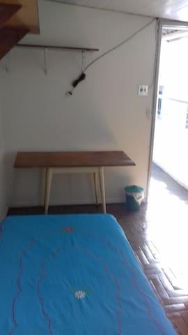 Quarto Room perto do Centro, confortável e Seguro - Belo Horizonte - Casa