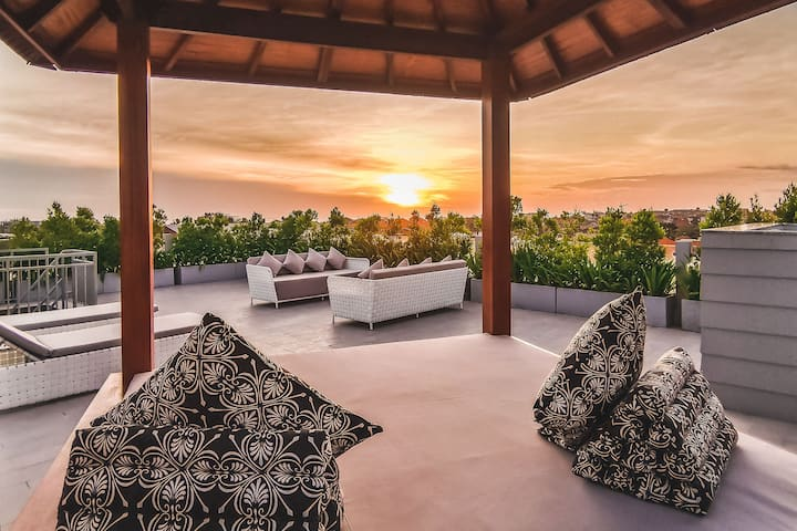 Magnolia Penthouse at Semat28 apartments Canggu
