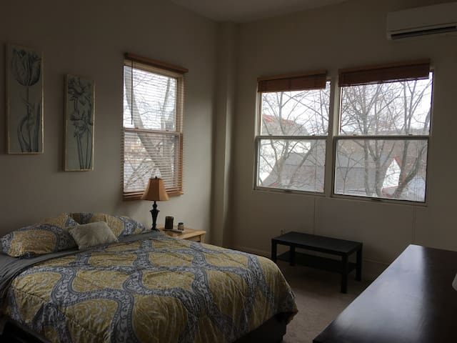 Top Floor 2 Bedroom in Heart of New Hope - New Hope - Apartamento