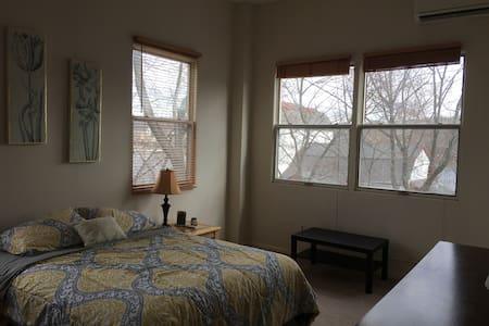 Top Floor 2 Bedroom in Heart of New Hope - New Hope