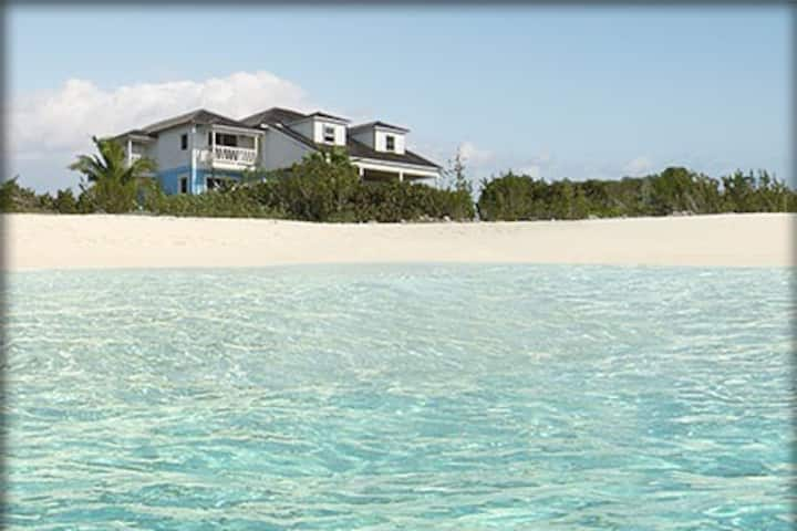 The Blue House, paradise over turquoise waters