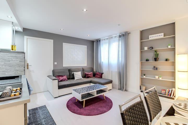 La pièce à vivre agréable et fonctionnelle