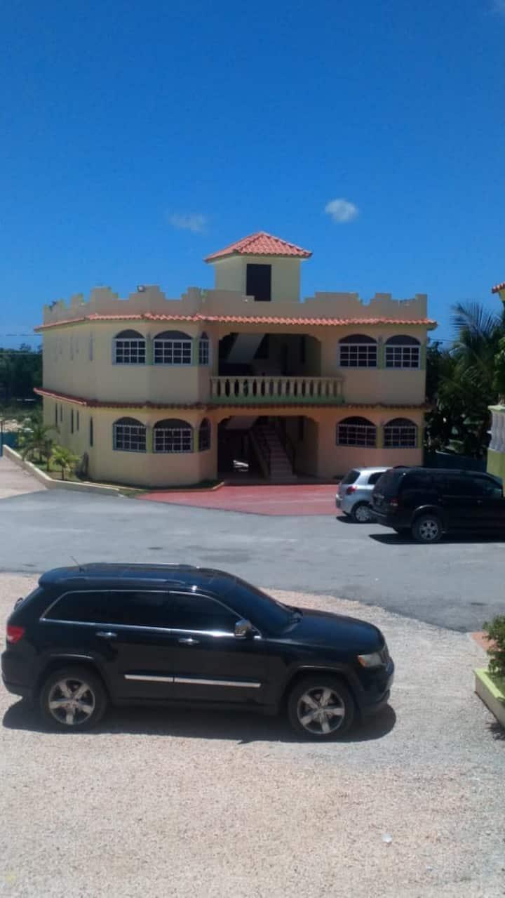 el hotel el viajante calidad y buen servicio......